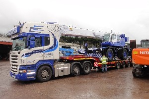 TADANO GR300EX LOADED FOR DELIVERY TO LONDON